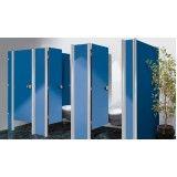 Divisórias sanitárias na Vila Rabelo